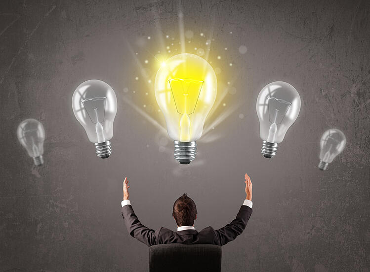 HubSpot sales bootcamp - work smarter, not harder - businessman with lightbulb