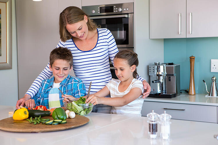 SEO for Beginners | Image Alt-Tag Example | Family in Kitchen