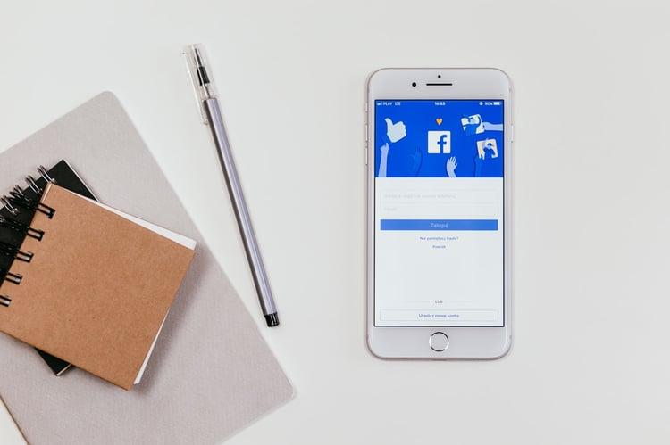 inbound marketing - social media - Facebook on cell phone