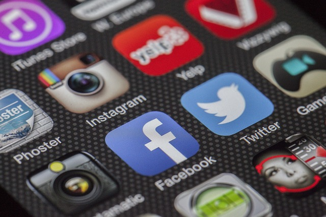 How to Avoid Problems When Working With a Social Media Agency